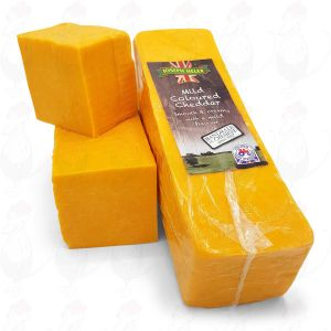 Red Cheddar cheese - Mild |  Block of 2,5 kilo / 5.5 lbs