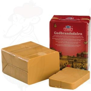 Gjetost Gudbrandsdalen | Norwegian Brown Cheese